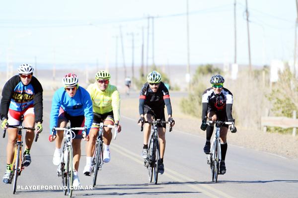 Carrera de ciclismo homenaje a Antonio Straub