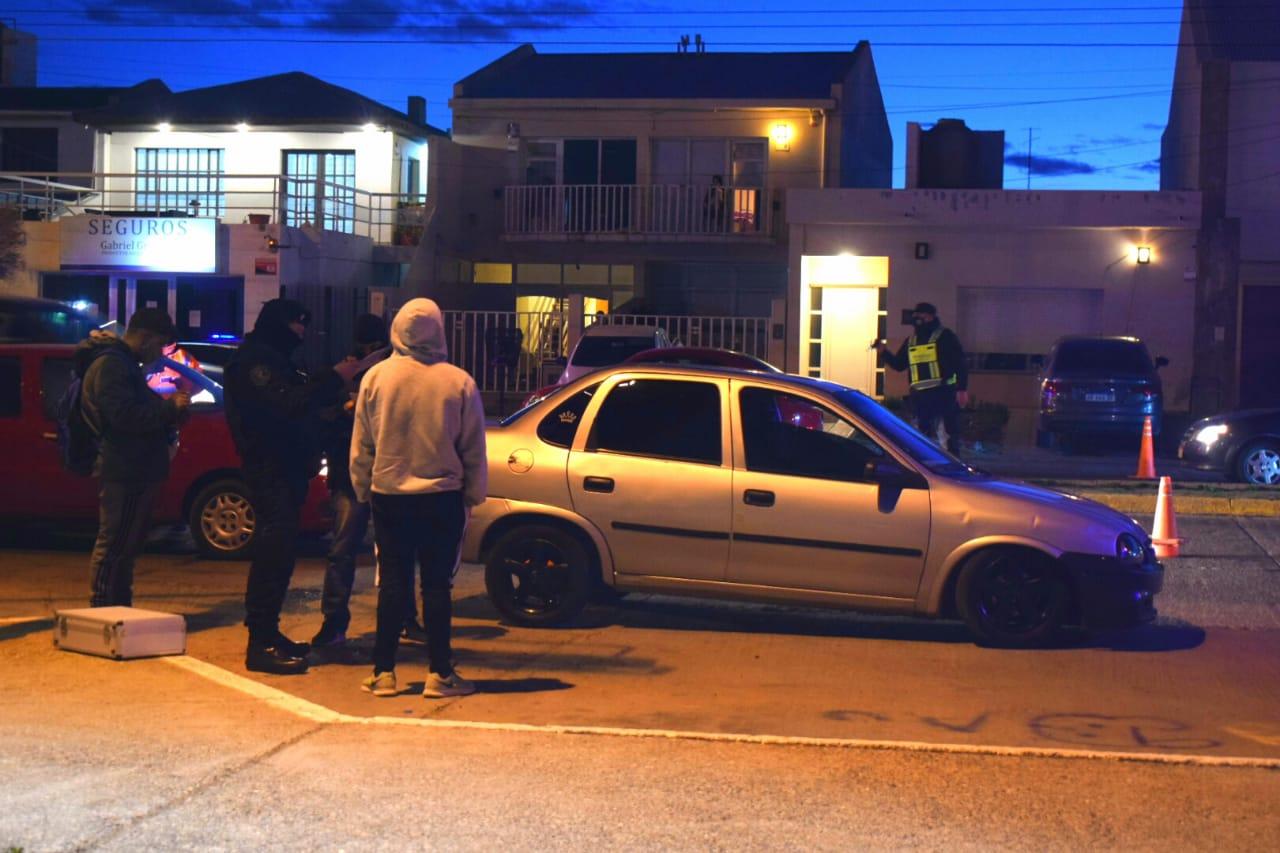 Controles en la Costanera: detuvieron a joven de 21 años que llevaba droga en su vehículo