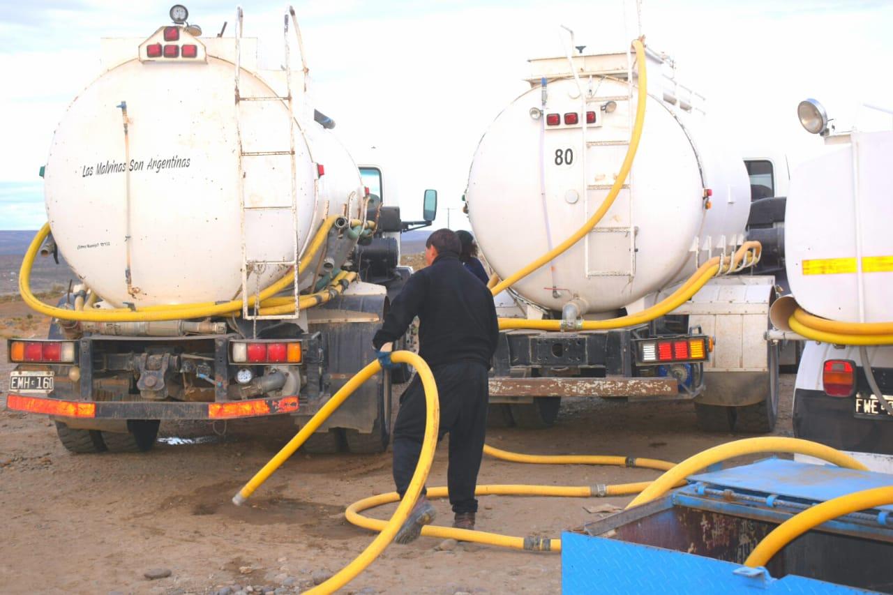 Vecinos del B° Bicentenario también dejarían de recibir agua por la deuda que mantiene el Municipio con los camiones abastecedores