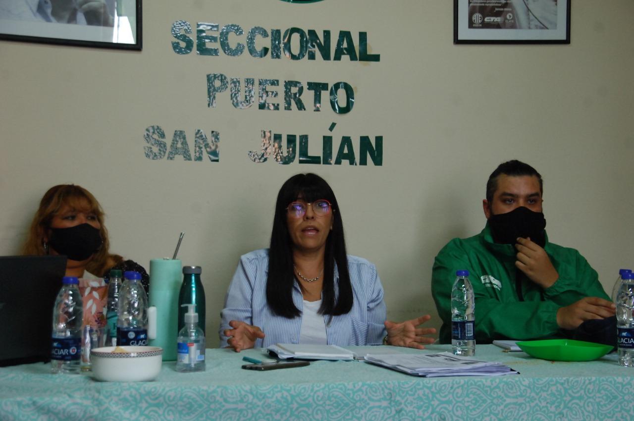 Protesta del sindicato de camioneros por despidos en Supermecado La Familia