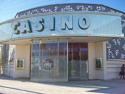 Luego de miles de criticas: El gobierno ordena cerrar los casinos en todo el territorio Santacruceño y extiende el distanciamiento social