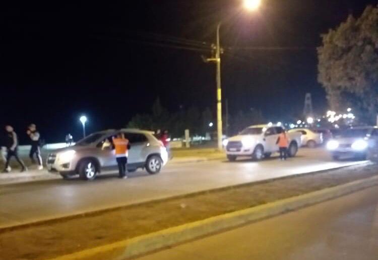Multitud en la Costanera: a pesar de las críticas hubo 92 actas y un accidente entre dos camionetas