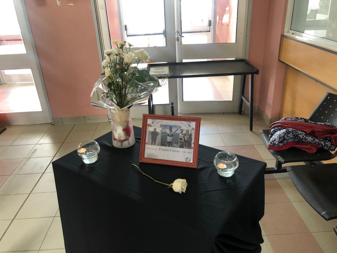 [VIDEO] Viuda de Claudio Carrizo: Silvana Robles rompió en llanto en su homenaje en el Hospital y pidió